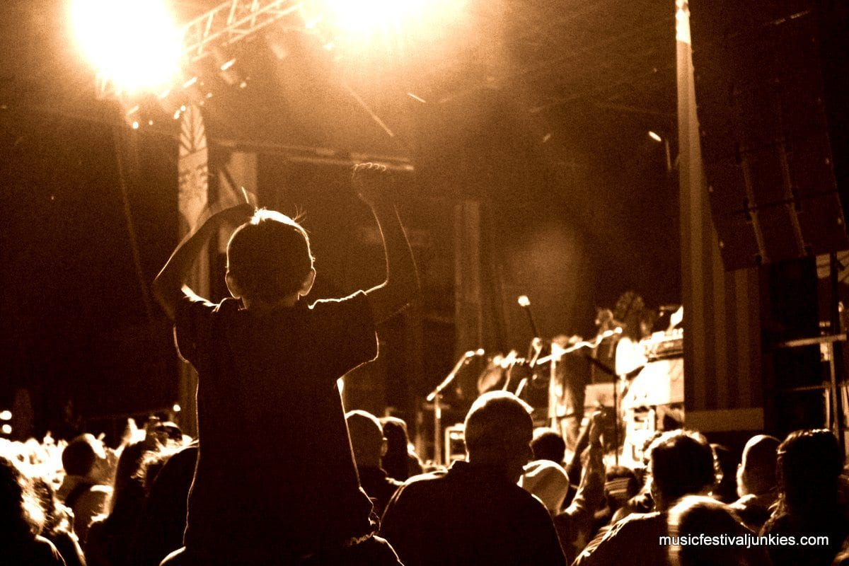 A young fan stoked on some Gov't Mule.