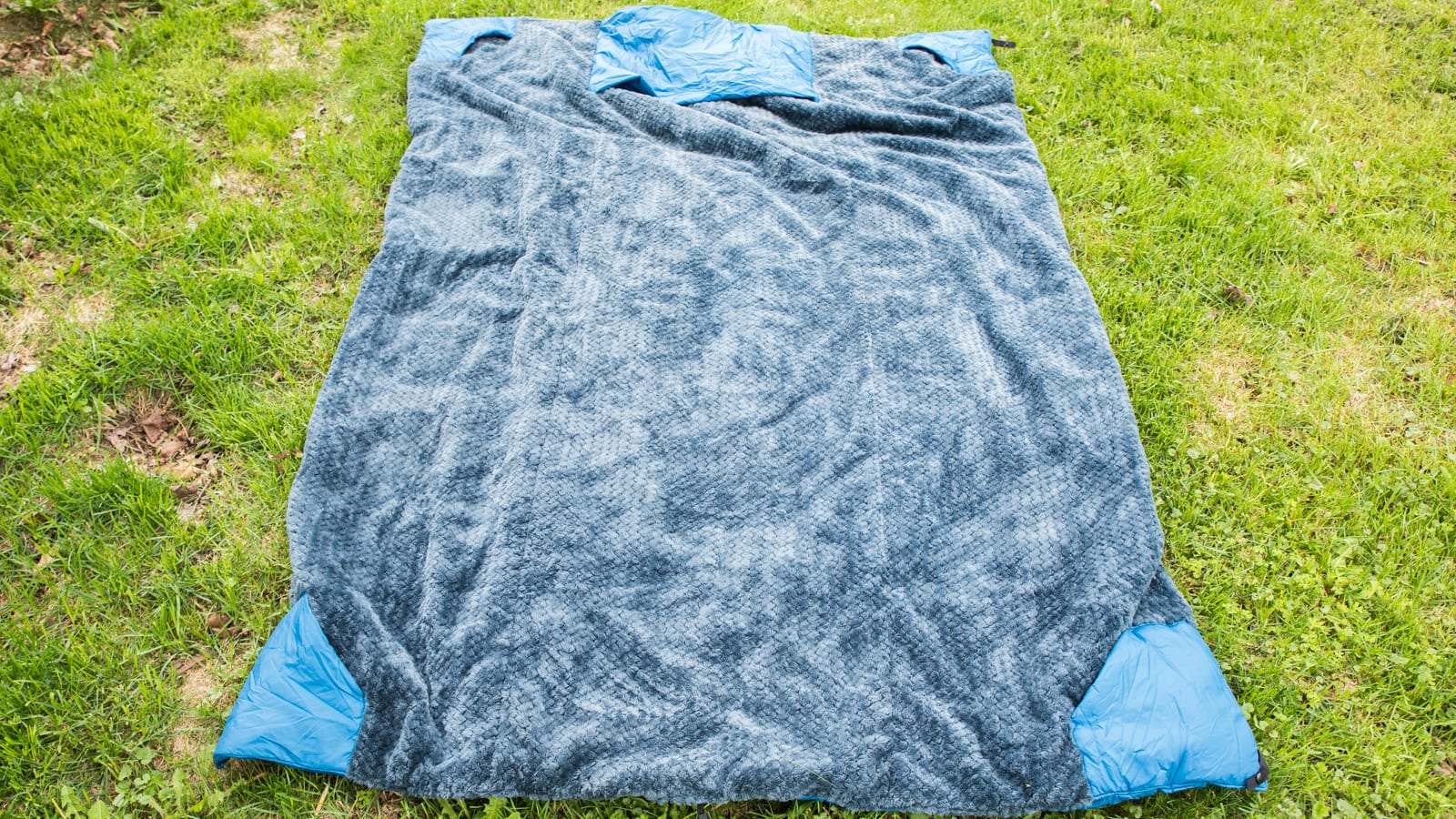 Wrap It Up This Summer With The Klymit Versa Blanket